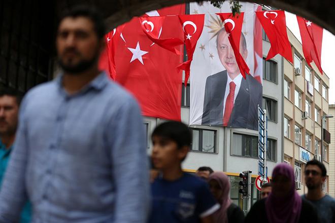 Νέο πογκρόμ εκκαθαρίσεων στην Τουρκία ένα χρόνο μετά το πραξικόπημα