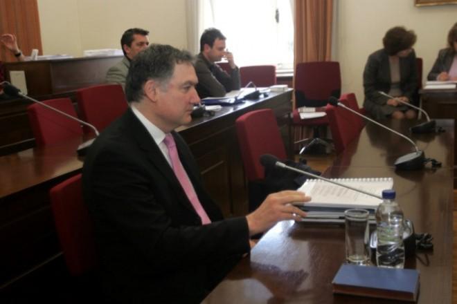 Ο πρόεδρος της ΕΛΣΤΑΤ Ανδρέας Γεωργίου καταθέτει στην Εξεταστική  Επιτροπή της Βουλής «σχετικά με το έλλειμμα του 2009 και τους παράγοντες, που οδήγησαν στην αμφισβήτηση των ελληνικών στατιστικών στοιχείων», Τρίτη 6 Φεβρουαρίου 2012. ΑΠΕ - ΜΠΕ/ΑΠΕ - ΜΠΕ/Αλέξανδρος Μπελτές