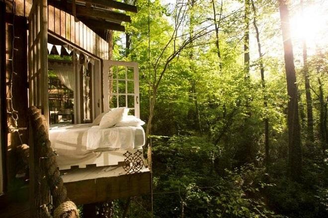 airbnb-atlanta-treehouse-bedroom3-large