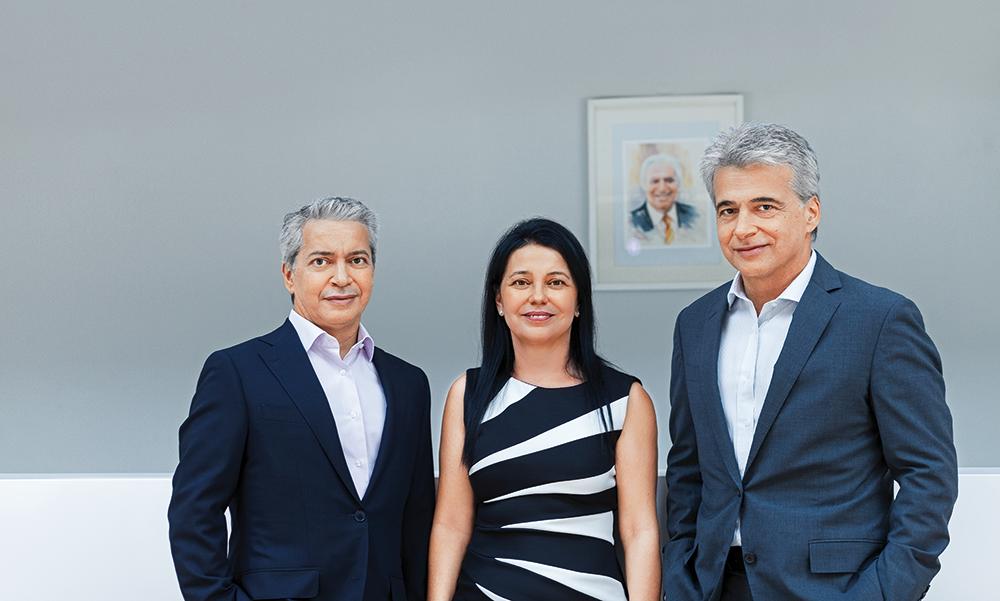 Οικογένεια Σκλαβενίτη: Θέτει τις βάσεις για να αποτελέσει τη νέα ηγέτιδα δύναµη της αγοράς σούπερ µάρκετ