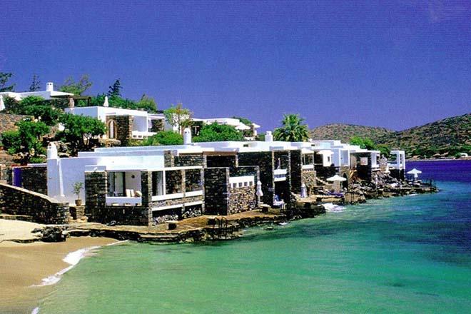 Κρήτη: Τα σκουπίδια των ξενοδοχείων μετατρέπονται σε … ζωοτροφές!