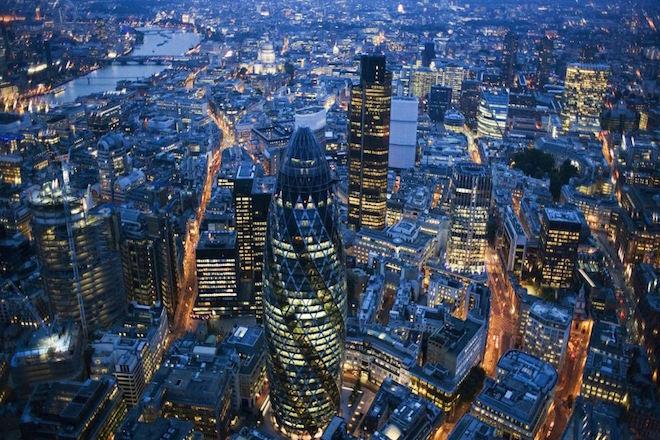 Στο Λονδίνο ο Έλληνας υπουργός Οικονομίας και Ανάπτυξης για συναντήσεις με επενδυτές