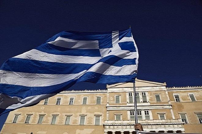 Η Ελλάδα «συρρικνώνεται»: Διπλό κύμα εγκατάλειψης πλήττει τη χώρα