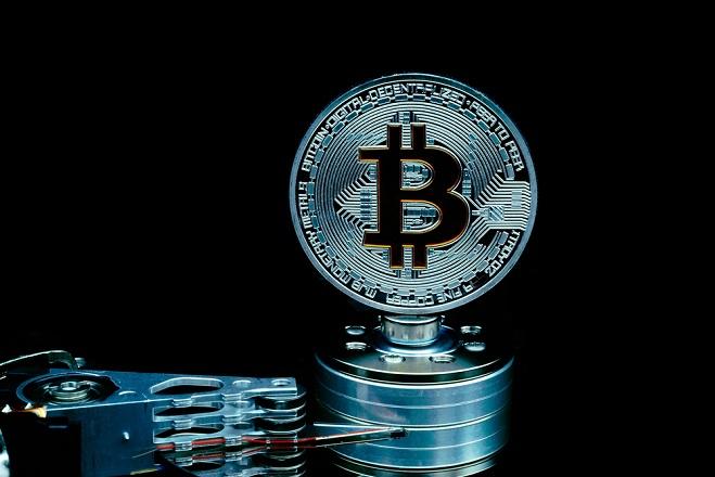 Ξεκίνησε η αντίστροφη μέτρηση για το Bitcoin; Έπεσε στα 14.000 δολάρια
