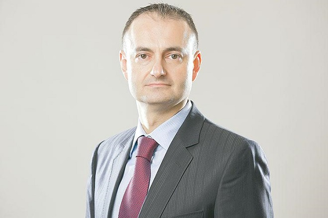 Aθανάσιος Βαμβακίδης (BofA): Απίθανη προς το παρόν η πλήρης πρόσβαση της Ελλάδας στις διεθνείς αγορές