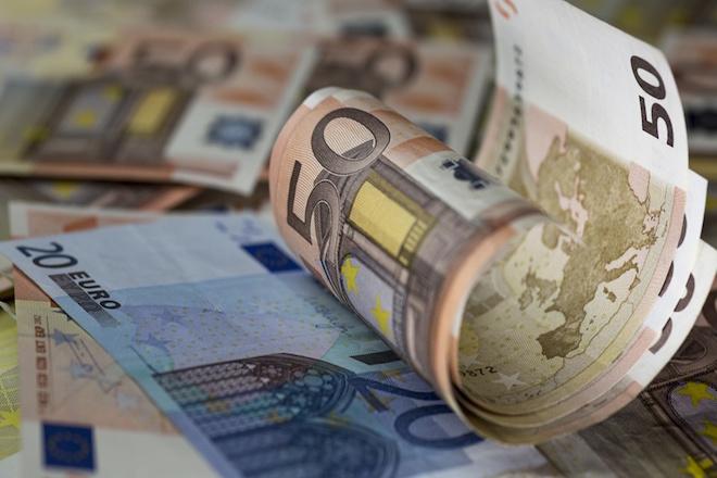 «Πνιγμένοι» στα χρέη οι Έλληνες – Πόσα χρωστούν στην εφορία