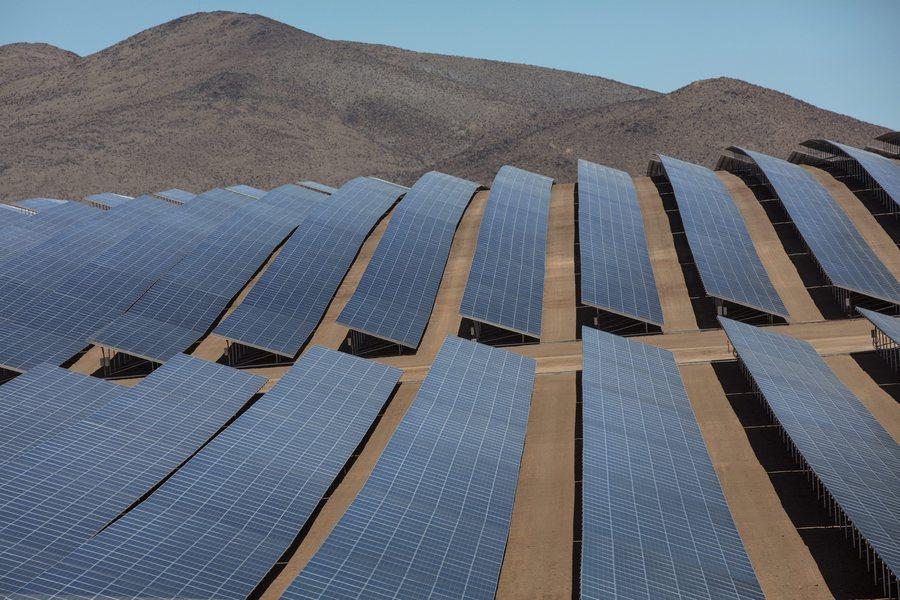 Στα σκαριά γιγαντιαίος σταθμός ηλιακής ενέργειας στη Σαχάρα