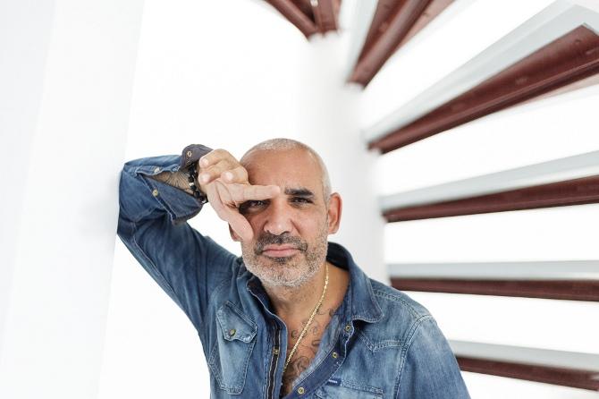 Άλκης Δαυίδ: O billionaire που αλλάζει το χώρο του θεάματος