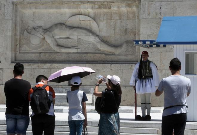 Όλο και περισσότεροι τουρίστες επιλέγουν την Ελλάδα