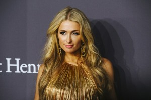 epa05779178 US socialite Paris Hilton attends the 2017 amfAR New York Gala at Cipriani Wall Street in New York, New York, USA, 08 February 2017. The Foundation will honor US actress Scarlett Johansson and Italian fashion designer Donatella Versace for their longstanding support of amfAR and the fight against AIDS.  EPA/ALBA VIGARAY