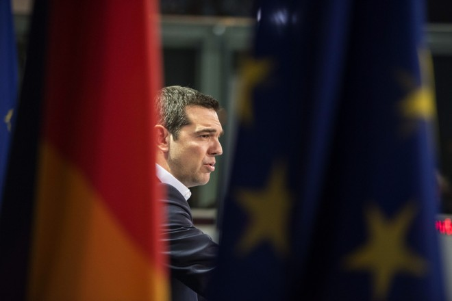 (Ξένη δημοσίευση) Ο  πρωθυπουργός Αλέξης Τσίπρας και η Γερμανίδα καγκελάριος Άγγελα Μέρκελ (δεν εικονίζεται), κάνουν κοινές δηλώσεις στους δημοσιογράφους, μετά τη συνάντησή τους, τη Δευτέρα 23 Μαρτίου 2015, στο Βερολίνο. Ο πρωθυπουργός Αλέξης Τσίπρας πραγματοποιεί επίσημη επίσκεψη στη Γερμανία.  ΑΠΕ-ΜΠΕ/ΓΡΑΦΕΙΟ ΤΥΠΟΥ ΠΡΩΘΥΠΟΥΡΓΟΥ/Andrea Bonetti