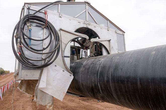 Το εργοτάξιο του Διαδριατικού Αγωγού Φυσικού Αερίου (Trans Adriatic Pipeline - TAP), Παρασκευή 25 Νοεμβρίου 2016. Ο πρωθυπουργός Αλέξης Τσίπρας επιθεώρησε την πορεία των έργων κατασκευής του Διαδριατικού Αγωγού Φυσικού Αερίου (Trans Adriatic Pipeline - TAP).  ΑΠΕ-ΜΠΕ/ΑΠΕ-ΜΠΕ/ΔΗΜΗΤΡΗΣ ΑΛΕΞΟΥΔΗΣ