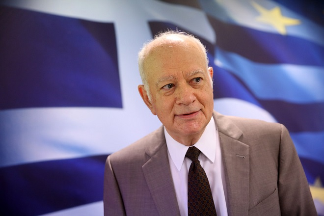 Ο υπουργός Οικονομίας Δημήτρης Παπαδημητρίου ενεργοποιεί την πλατφόρμα εξωδικαστικού συμβιβασμού στο διαδίκτυο, Αθήνα Πέμπτη 3 Αυγούστου 2017. Χιλιάδες επιχειρήσεις θα έχουν στο εξής ένα θεσμικό τρόπο να ρυθμίσουν τα χρέη τους. ΑΠΕ-ΜΠΕ/ΑΠΕ-ΜΠΕ/ΟΡΕΣΤΗΣ ΠΑΝΑΓΙΩΤΟΥ