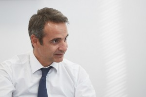Ο πρόεδρος της Νέας Δημοκρατίας Κυριάκος Μητσοτάκης συναντήθηκε με μέλη της Οικονομικής και Κοινωνικής Επιτροπής της Ελλάδας (Ο.Κ.Ε.), την Τετάρτη 6 Σεπτεμβρίου 2017,  στα κεντρικά γραφεία του κόμματος. ΑΠΕ-ΜΠΕ/ΓΡΑΦΕΙΟ ΤΥΠΟΥ ΝΔ/ΔΗΜΗΤΡΗΣ  ΠΑΠΑΜΗΤΣΟΣ