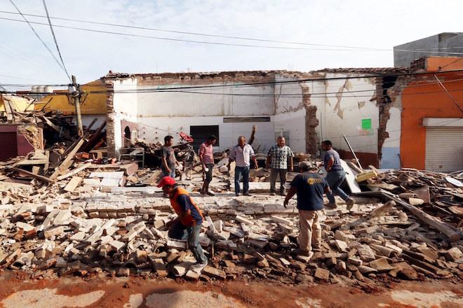 Τουλάχιστον 90 οι νεκροί από τον καταστροφικό σεισμό 8,2 ρίχτερ στο Μεξικό
