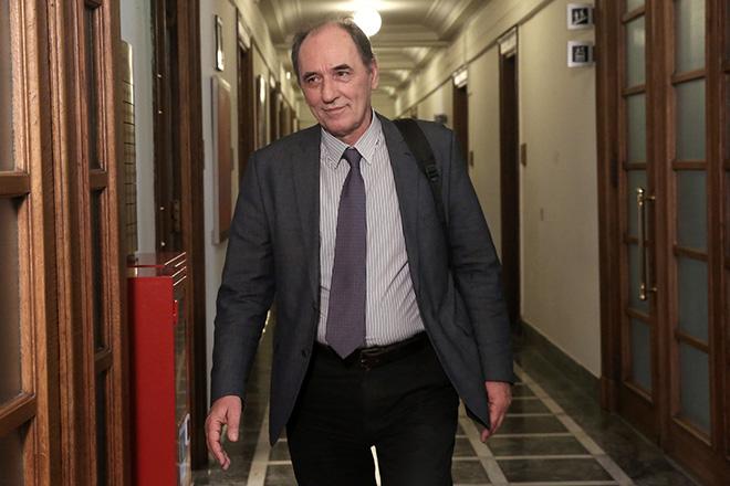 Ο υπουργός Ενέργειας και Περιβάλλοντος Γιώργος Σταθάκης προσέρχεται στη συνεδρίαση του υπουργικού συμβουλίου στη Βουλή, Αθήνα, την Τρίτη 13 Ιουνίου 2017. ΑΠΕ-ΜΠΕ/ΑΠΕ-ΜΠΕ/ΣΥΜΕΛΑ ΠΑΝΤΖΑΡΤΖΗ