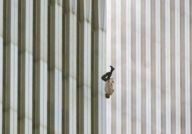 11η Σεπτεμβρίου 2001: Η ιστορία του Falling Man 16 χρόνια μετά την τραγωδία