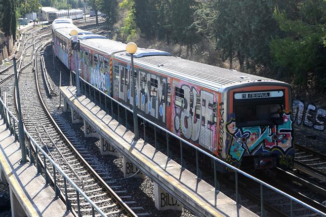 Ο σταθμός του ΗΣΑΠ στο Θησείο, Πέμπτη 31 Αυγούστου 2017. Ένας 19χρονος Γάλλος έχασε την ζωή του στο σταθμό του ΗΣΑΠ στο Θησείο όπου έκανε γκράφιτι σε βαγόνια, πιθανότατα από ηλεκτροπληξία. ΑΠΕ-ΜΠΕ/ΑΠΕ-ΜΠΕ/Παντελής Σαίτας