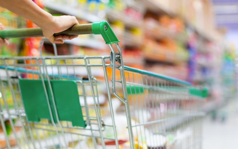 Σε ποιες αγορές βάζουν «μαχαίρι» οι Έλληνες