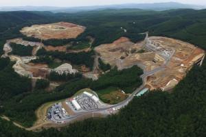 Φωτογραφία που δόθηκε σήμερα στη δημοσιότητα από τις εγκαταστάσεις της εταιρίας εξόρυξης χρυσού Eldorado Gold, στις Σκουριές Χαλκιδικής. Η εταιρία ανακοίνωσε την αναστολή των εργασιών της, τη Δευτέρα 11 Σεπτεμβρίου 2017.  ΑΠΕ-ΜΠΕ/ELDORADO GOLD/STR
