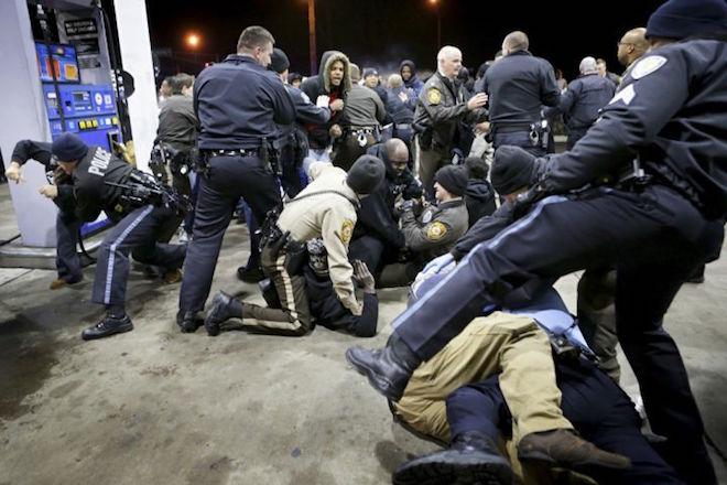 Τρίτη συνεχόμενη νύχτα βίας στο Σεντ Λούις