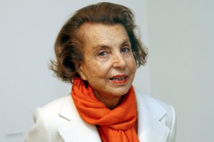 epa02241295 (FILE) A file picture dated 13 June 2004 of L'Oreal-heiress Liliane Bettencourt in Krefeld, Germany. The 81-year old heiress of cosmetics giant L'Oreal and daughter of the company's founder owns 27,5 percent of L'Oreal. The public prosecutor of Nanterre has opened an investigation into allegations that the treasurer of President Nicolas Sarkozyës 2007 presidential campaign accepted illegal contributions, a spokeswoman for the prosecutor said 07 July 2010. The investigation will look into statements by the former accountant of Liliane Bettencourt, the heiress to the LëOreal cosmetics fortune and one of the richest women in the world. On 06 July, the online daily MediaPart published an interview with the accountant, Claire Thibout, who said that Bettencourt had secretly contributed 150,000 euros (188,000 dollars) to Sarkozyës campaign, far above the legal limit of 4,600 euros.  EPA/HORST OSSINGER