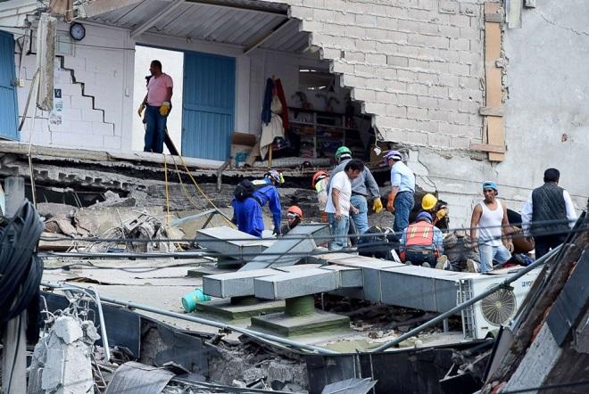 Μεξικό: Μάχη με το χρόνο για τον εντοπισμό επιζώντων