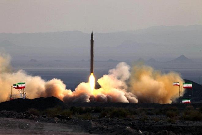Νέα πρόκληση για τις ΗΠΑ: Το Ιράν ανακοίνωσε επιτυχημένη δοκιμή πυραύλου