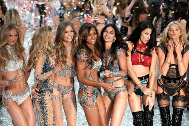 Victoria's Secret: Σχεδιάζει το κλείσιμο 20 καταστημάτων φέτος
