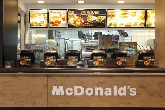 Γιατί «κατέβασαν ρολά» οι εργαζόμενοι των McDonald's