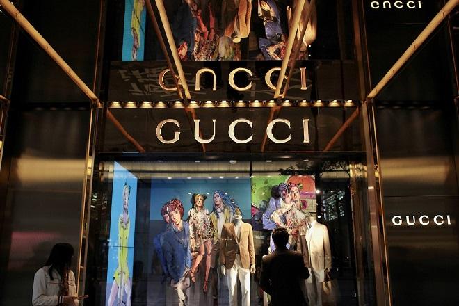«Πόλεμος» μεταξύ Gucci και Louis Vuitton για την αγορά της Κίνας