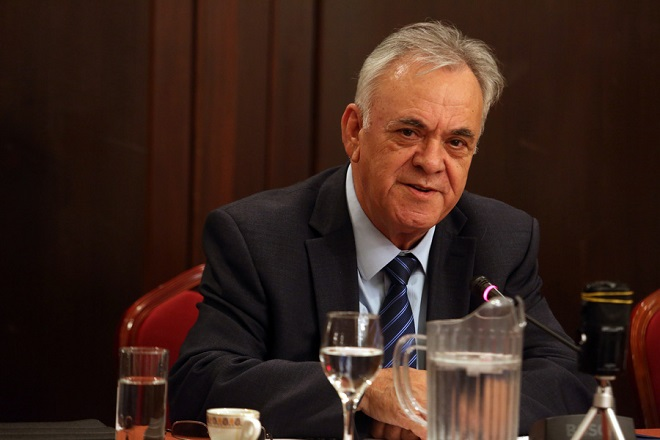 Ο αντιπρόεδρος της κυβέρνησης Γιάννης Δραγασάκης μιλάει σε  ανοιχτή πολιτική εκδήλωση που διοργάνωσε η Νομαρχιακή Επιτροπή ΣΥΡΙΖΑ Χρηματοπιστωτικού Τομέα  με θέμα: «Εξωδικαστικός μηχανισμός ρύθμισης οφειλών επιχειρήσεων», Τετάρτη 5 Ιουλίου 2017. ΑΠΕ-ΜΠΕ/ΑΠΕ-ΜΠΕ/Αλέξανδρος Μπελτές