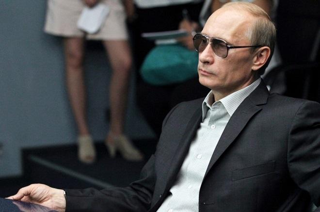 Η κρυφή ζωή του Βλαντιμίρ Πούτιν ως κατάσκοπος