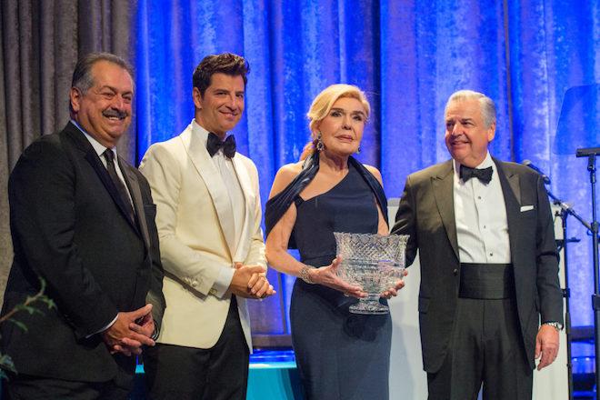 Το 5ο ετήσιο δείπνο της Ελληνικής Πρωτοβουλίας συγκεντρώνει δωρεές άνω των 2 εκατ. δολαρίων