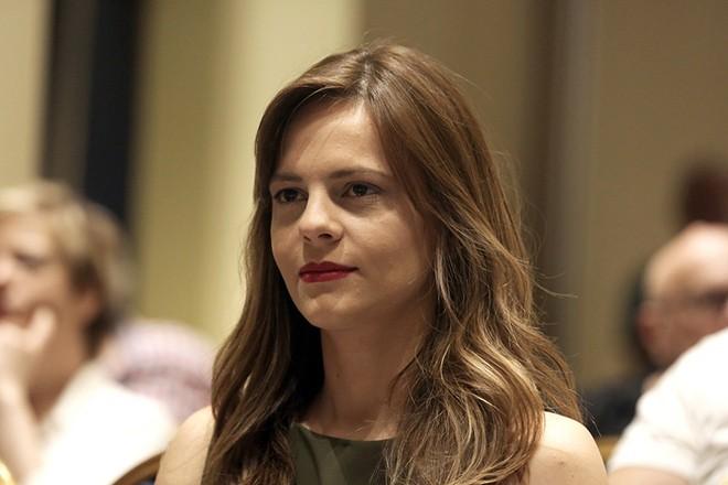 Ο υπουργός Εργασίας Έφη Αχτσιόγλου παρίσταται στη συνεδρίαση της Κεντρικής Επιτροπής Του ΣΥΡΙΖΑ, σε κεντρικό ξενοδοχείο της Αθήνας, το Σάββατο 29 Ιουλίου 2017. ΑΠΕ-ΜΠΕ/ΑΠΕ-ΜΠΕ/ΣΥΜΕΛΑ ΠΑΝΤΖΑΡΤΖΗ