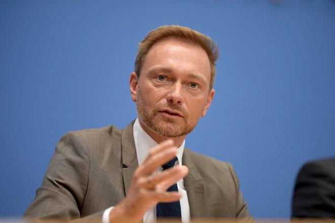 Οι πιθανοί εταίροι της Μέρκελ έδειξαν τις διαθέσεις τους: «Ο Σόιμπλε δεν ήταν αρκετά σκληρός με την Ελλάδα»