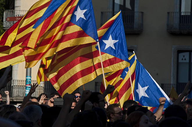 Βαθαίνει η κρίση στην Καταλονία: Γιατί αποχωρούν μεγάλες εταιρείες