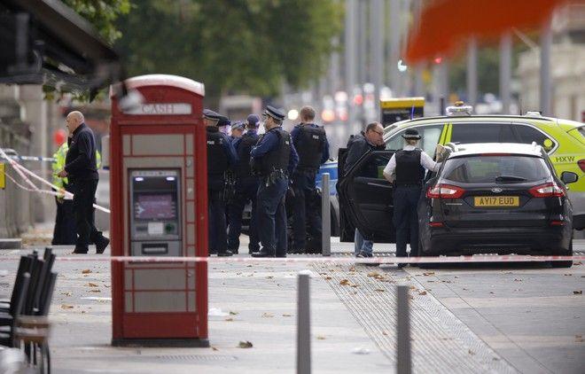 Λονδίνο: Όχημα έπεσε πάνω σε πεζούς – Αρκετοί τραυματίες
