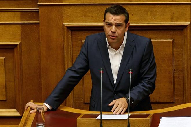 Ο πρωθυπουργός Αλέξης Τσίπρας μιλά στην Ολομέλεια της Βουλής όπου παρουσιάζεται το νομοσχέδιο για την νομική αναγνώριση της ταυτότητας φύλου, Δευτέρα 9 Οκτωβρίου 2017.  ΑΠΕ-ΜΠΕ/ΑΠΕ-ΜΠΕ/Παντελής Σαίτας