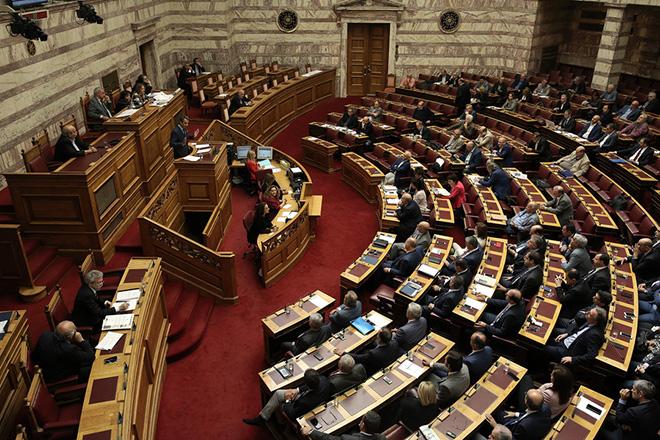 Ο πρόεδρος της ΝΔ Κυριάκος Μητσοτάκης μιλάει στην Ολομέλεια της Βουλής όπου συζητείται το νομοσχέδιο για την νομική αναγνώριση της ταυτότητας φύλου, Τρίτη 10 Οκτωβρίου 2017.  ΑΠΕ-ΜΠΕ/ΑΠΕ-ΜΠΕ/ΣΥΜΕΛΑ ΠΑΝΤΖΑΡΤΖΗ