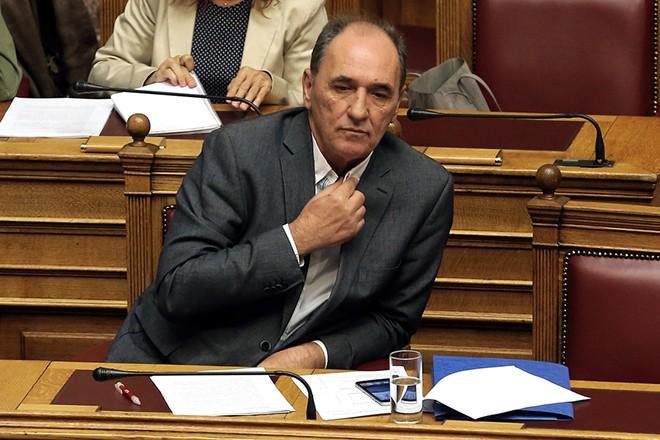Ο υπουργός Περιβάλλοντος και Ενέργειας, Γιώργος Σταθάκης παρίσταται στην επίκαιρη επερώτηση 39 βουλευτών της ΝΔ με θέμα: «Η Κυβέρνηση ΣΥΡΙΖΑ-ΑΝΕΛ αποφασίζει, συμφωνεί και εκτελεί τη χρεωκοπία της ΔΕΗ» στη Βουλή, Αθήνα, την Παρασκευή 29 Σεπτεμβρίου 2017. ΑΠΕ-ΜΠΕ/ΑΠΕ-ΜΠΕ/ΣΥΜΕΛΑ ΠΑΝΤΖΑΡΤΖΗ