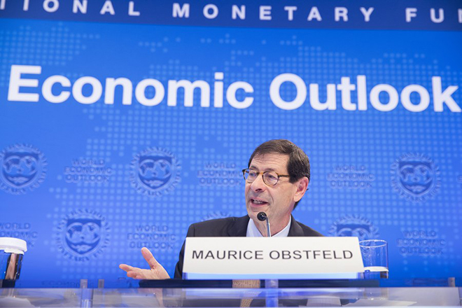 epa06256863 A handout photo made available by the International Monetary Fund (IMF) showiing  International Monetary Fund Economic Counsellor Maurice Obstfeld answers questions during the World Economic Outlook Press Conference at the IMF Headquarters during the 2017 IMF/World Bank Annual Meetings  in Washington, DC., USA 10 October 2017.  EPA/Stephen Jaffe / IMF / HANDOUT  HANDOUT EDITORIAL USE ONLY/NO SALES