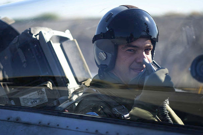 Βίντεο: Πτήση με F16 πάνω από το Αιγαίο για τον Αλέξη Τσίπρα