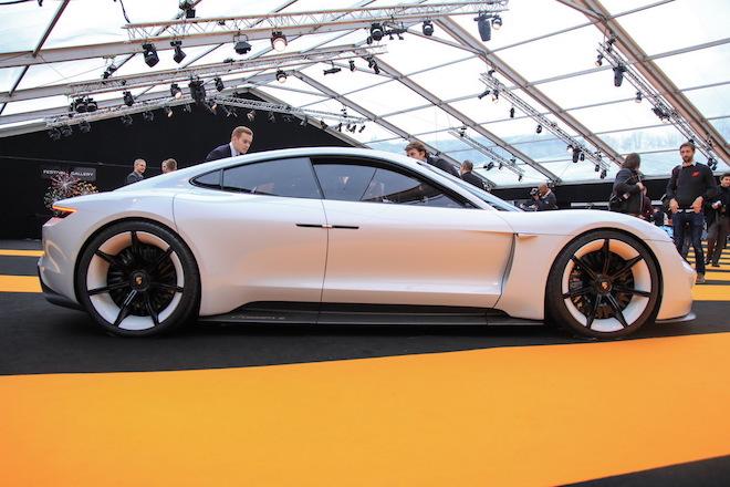 «Γκάζια» για την Porsche: Αύξησε κατά 4% τις πωλήσεις της και έκανε ρεκόρ