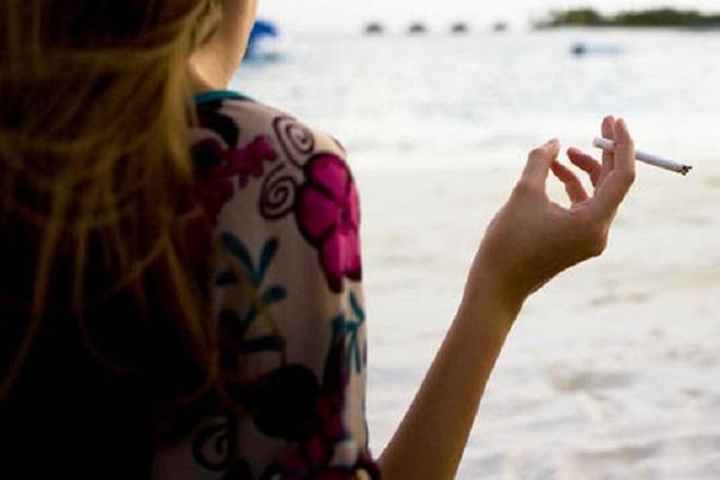Από σήμερα σε ισχύ ο αντικαπνιστικός νόμος: Τι προβλέπει και τα πρόστιμα για τους παραβάτες
