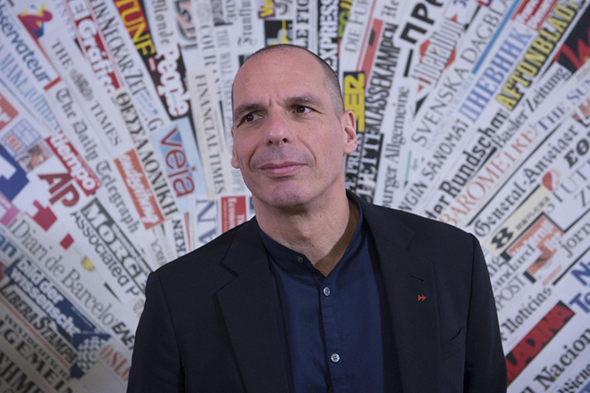 epa05867661 Former Greek Minister of Finance and DiEM25 Co-founder, Yanis Varoufakis during a press conference presenting the Democracy in Europe Movement 2025 (DiEM25)'s 'European New Deal' at the Foreign Press headquarter in Rome, 24 March 2017. The DiEM25, a Pan-European political movement, launched its 'European New Deal' in Rome with an agenda offering economic and social answers for the whole of Europe, including the Eurozone as well as for countries outside of the EU.  EPA/GIORGIO ONORATI