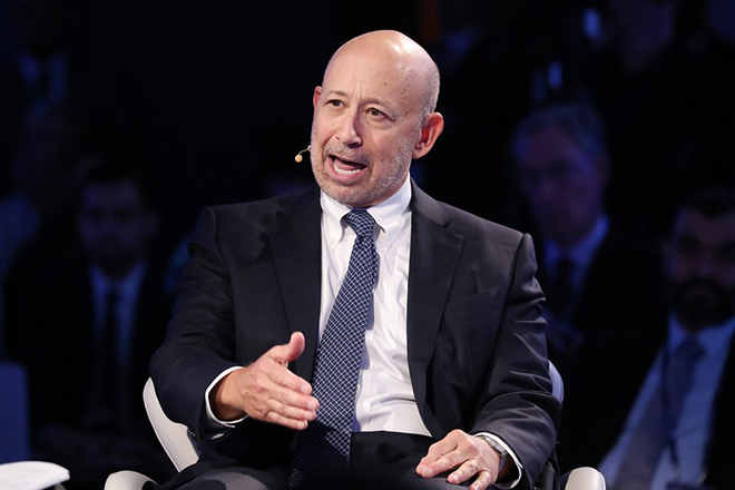 epa06216186 Chairman and CEO of Goldman Sachs Lloyd Blankfein speaks during a discussion titled 'Development, Investment and the Future of Energy in the Middle East'  during the inaugural Bloomberg Global Business Forum at the Plaza Hotel in New York, New York, USA, 20 September 2017. The forum will feature more than 50 heads of state and 250 international CEOs as it is held on the sidelines of the ongoing nearby General Debate of the United Nations General Assembly.  EPA/ANDREW GOMBERT