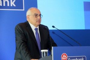 Ο πρόεδρος της EUROBANK Νίκος Καραμούζης μιλά στην γενική συνέλευση των μετόχων της τράπεζας , Πέμπτη 15 Ιουνίου 2017. ΑΠΕ-ΜΠΕ/ΑΠΕ-ΜΠΕ/Παντελής Σαίτας
