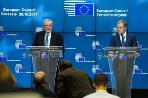 epa06278238 European Council President Donald Tusk (R) and EU Commission President Jean-Claude Juncker (L) address a press briefing on the second day of the European Council Meeting in Brussels, Belgium, 20 October 2017. European leaders met in Brussels on 19 and 20 October 2017 to discuss most pressing issues, including migration, defence, foreign affairs and digitalisation and to review the latest developments in the negotiations following the United Kingdom's notification of its intention to leave the EU.  EPA/STEPHANIE LECOCQ