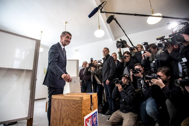 epa06278315 Andrej Babis, Slovak-born billionaire and leader of the ANO movement, casts his ballot at a polling station during voting in the parliamentary elections in Prague, Czech Republic, 20 October 2017. The general elections in the Czech Republic will be held on 20 and 21 October 2017.  EPA/MARTIN DIVISEK